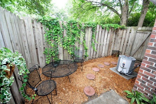 Private patio at 1052 Hunter Trace, Mount Pleasant